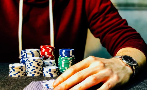 pai gow poker hand and chips