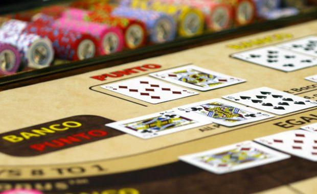 baccarat card game baccarat game table