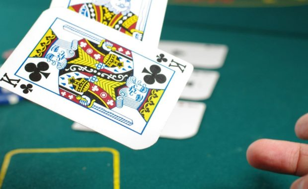 how to play casino card games king of clubs