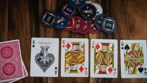 layout showing how to play 5 card poker